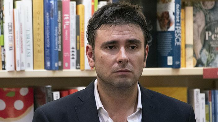 Di Battista lascia il Movimento 5 Stelle dopo il voto sulla piattaforma Rousseau