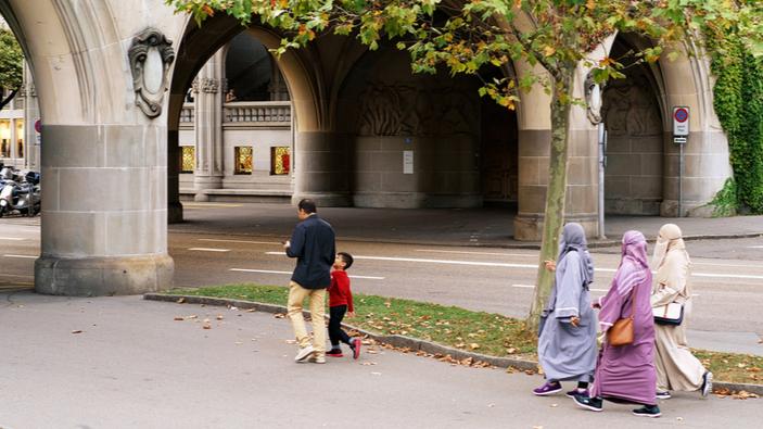 Referendum in Svizzera proibisce la copertura integrale del viso in luoghi pubblici