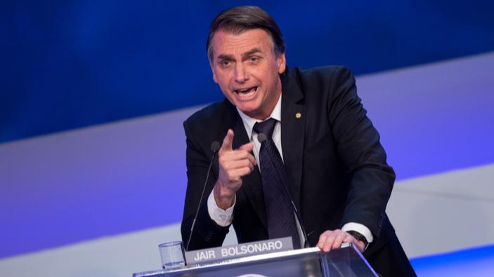 Bolsonaro intenta enderezar el rumbo ante el recrudecimiento de la pandemia