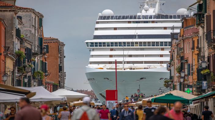Venezia dice addio alle grandi navi da crociera