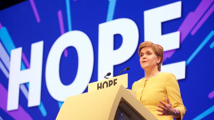 Scozia, il partito indipendentista di Nicola Sturgeon vince le elezioni