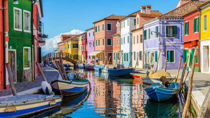 Con il <i>green pass</i> nazionale, l'Italia apre le porte al turismo