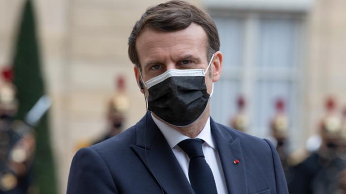 Emmanuel Macron cherche à séduire les jeunes électeurs