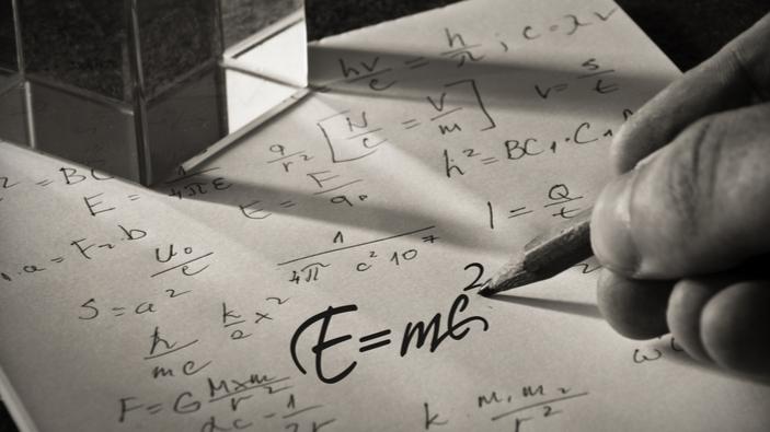La carta de Einstein con la famosa ecuación E=mc<sup>2</sup>, vendida por casi 1 millón de euros