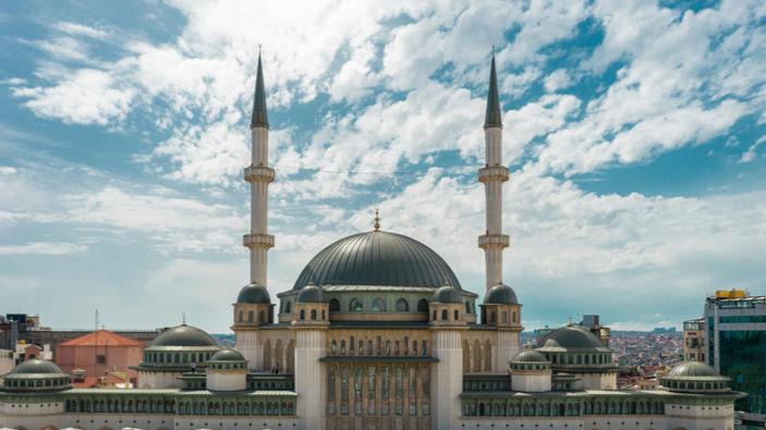 Erdoğan inaugura la Moschea Taksim a Istanbul