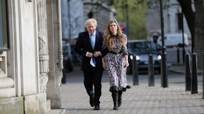 Il Primo ministro britannico sposa la fidanzata con una cerimonia di nozze a sorpresa