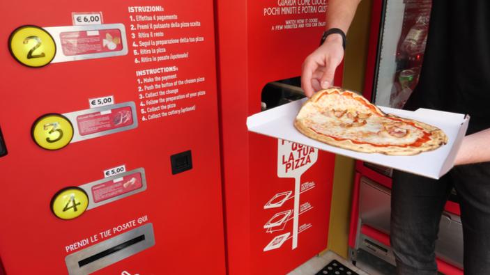 ¿Deberían ilegalizarse las máquinas expendedoras de pizza en Italia?