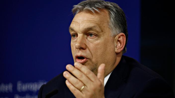 L'Ungheria approva una legge che censura i temi LGBT+