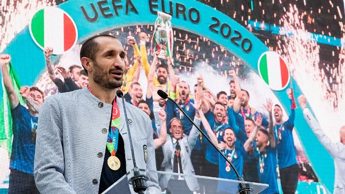 Des insultes racistes à l'encontre de joueurs noirs entachent le dernier match de l'Euro 2020