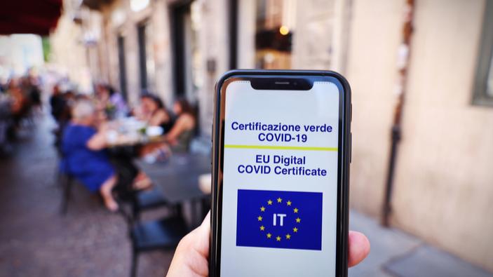 Italia, a partir de ahora, solicita certificados sanitarios digitales para acceder a restaurantes