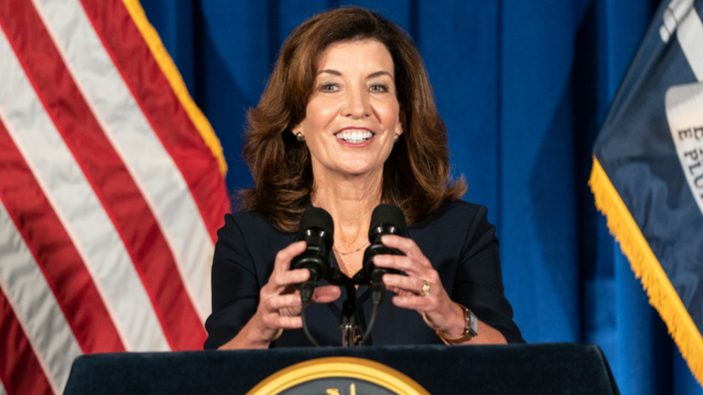Kathy Hochul è la nuova governatrice dello Stato di New York
