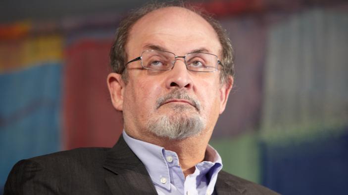 Sir Salman Rushdie va publier ses nouveaux livres en ligne