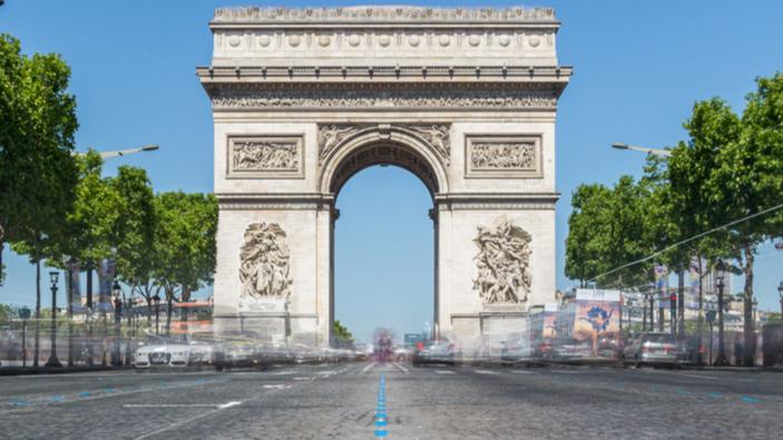 L'empaquetage de l'Arc de Triomphe, œuvre posthume de Christo