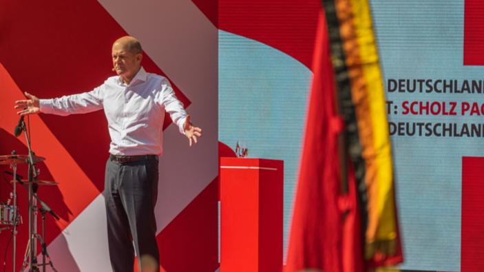 La Germania affronta mesi di negoziati per formare un governo di coalizione a tre partiti