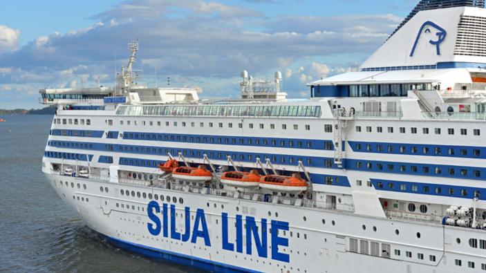 Riprendono le crociere con a bordo alcol e shopping duty free attraverso il Golfo di Finlandia
