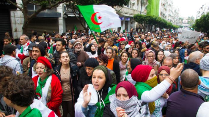 """La """"primavera árabe"""" llega a Argelia"""